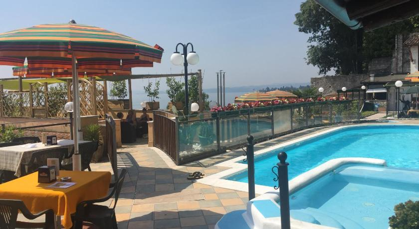 Best time to travel Italy Garda Sol Apart-hotel Beauty & SPA