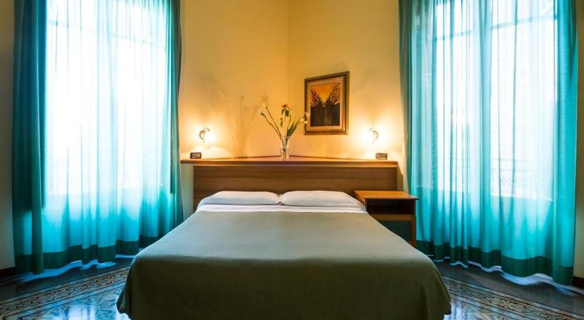 Best time to travel Italy Hotel Italia