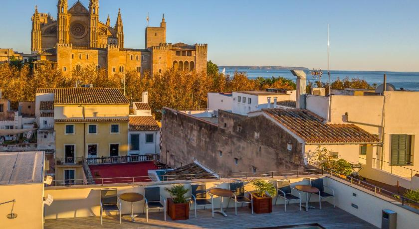 Best time to travel Palma de Mallorca Hotel Tres by Petit Palace