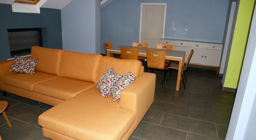 Best time to travel Charleroi Appartement Courcelles