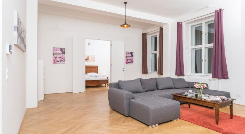 Best time to travel Vienna Seilergasse De Luxe Apartment by welcome2vienna