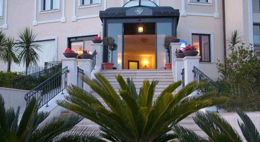 Best time to travel Italy Hotel San Giorgio