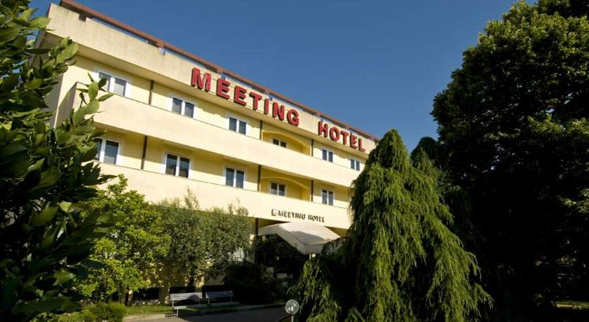 Best time to travel Italy Meeting Hotel