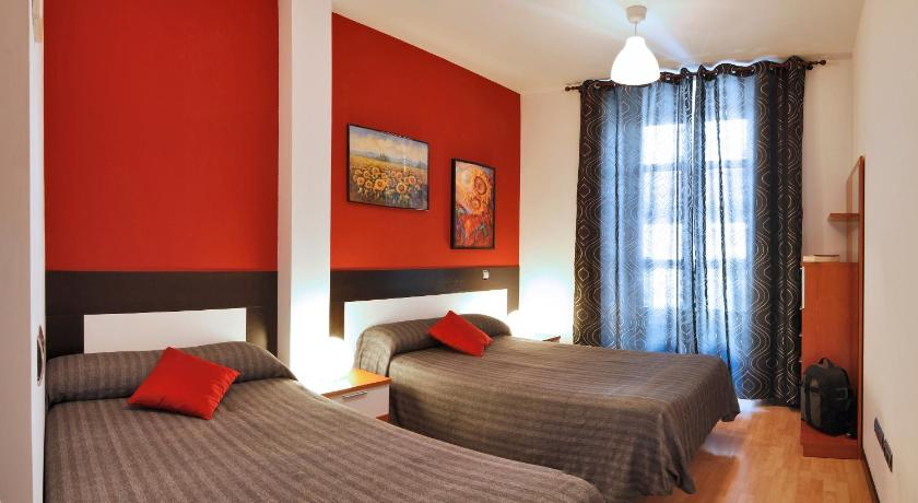 Best time to travel Spain Apartamentos Sol Deluxe Madrid