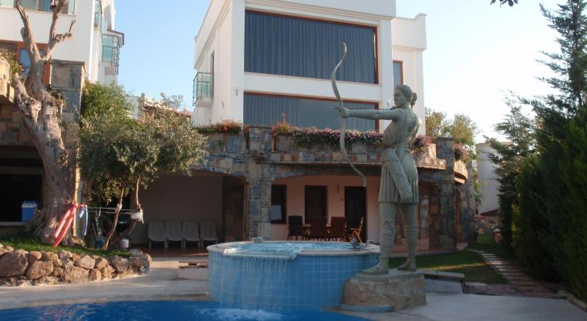 Best time to travel Turkey Camekan Suites