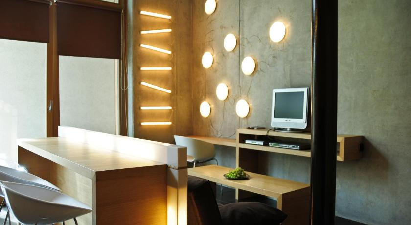 Best time to travel Cracow La Gioia Designer's Lofts Luxury Apartments