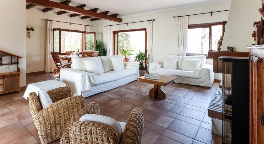 Best time to travel Spain Casa Miller
