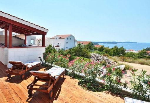 Best time to travel Croatia royale 3 with pool