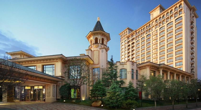 Best time to travel Shanghai Chateau Star River Pudong Shanghai