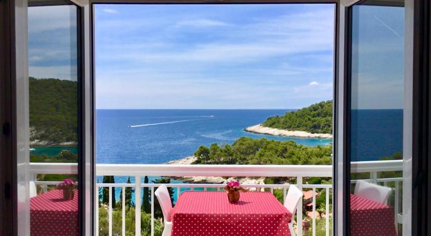 Best time to travel Solin Apartments Marija Magdalena