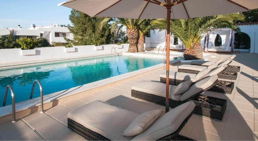 Best time to travel Formentera Apartamentos Sunset Oasis Ibiza - Only Adults