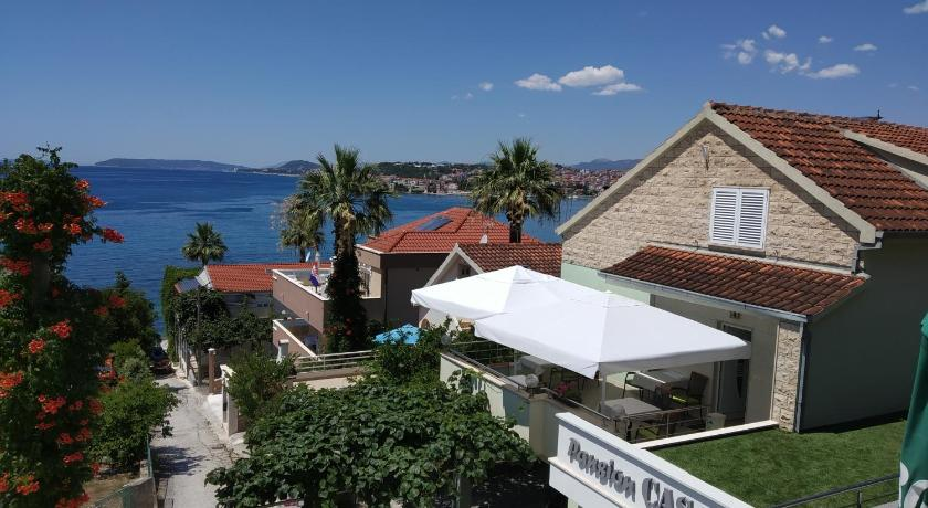 Best time to travel Solin Pansion Casa