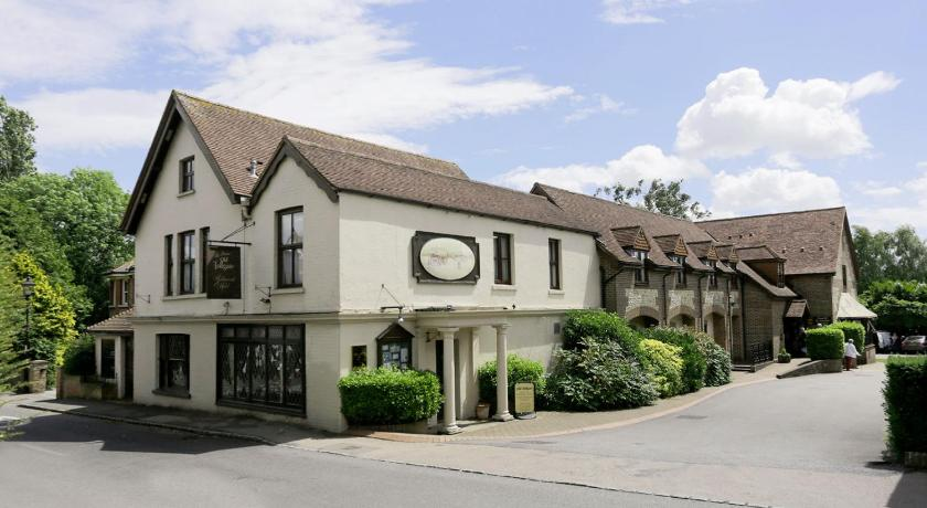 Best time to travel Brighton Best Western Plus Old Tollgate Hotel