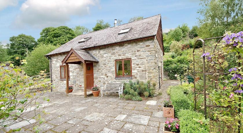 Best time to travel United Kingdom Hope Cottage