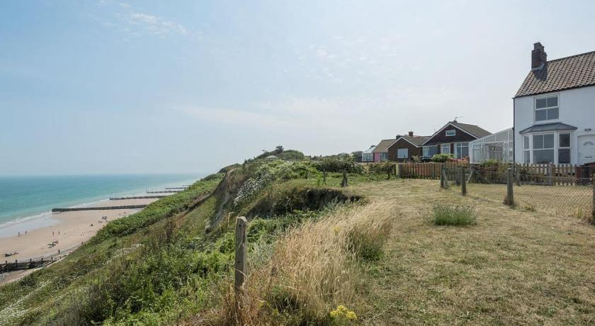 Best time to travel United Kingdom Marions Seaside Cottage