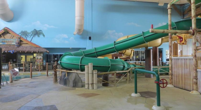 Best Price On Canad Inns Destination Center Grand Forks In Grand Forks Nd Reviews