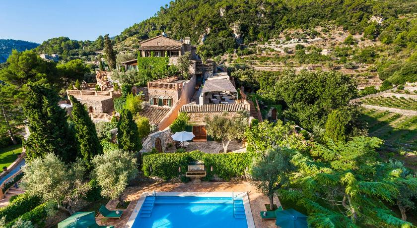 Best time to travel Majorca Hotel Valldemossa