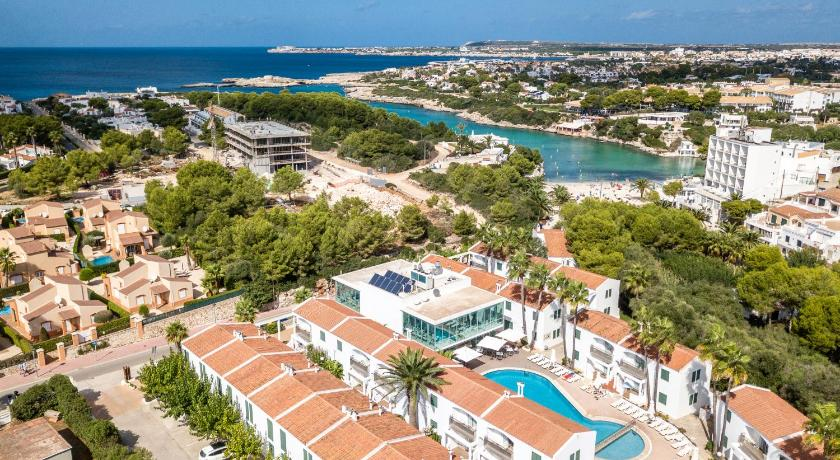 Best time to travel Menorca Apartaments Cales de Ponent