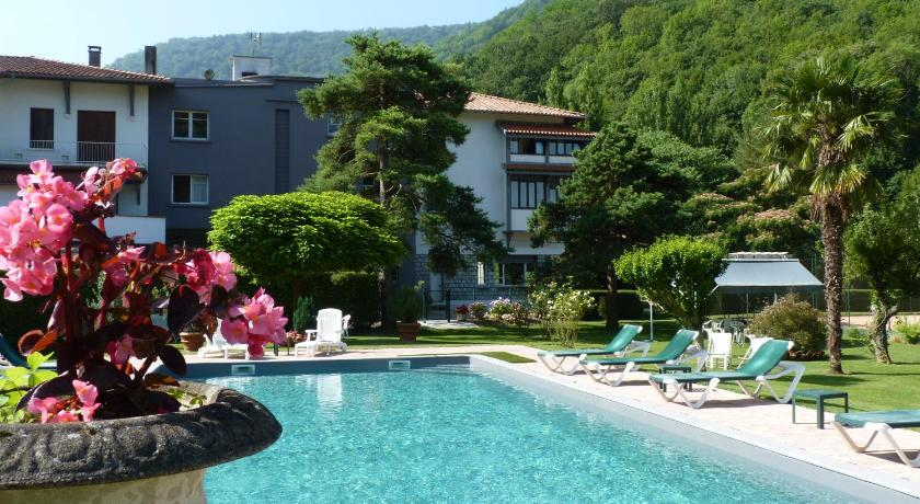 Best Price on Hostellerie des 7 Molles - Chateaux et Hotels ...