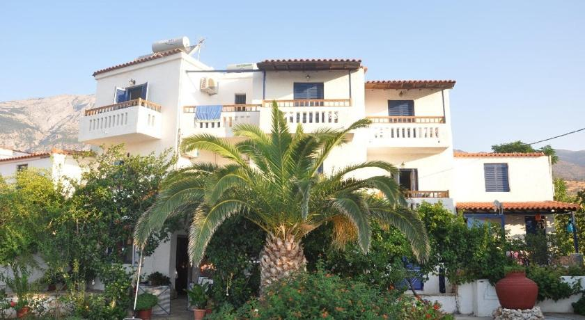 Best time to travel Greece Villa Maria