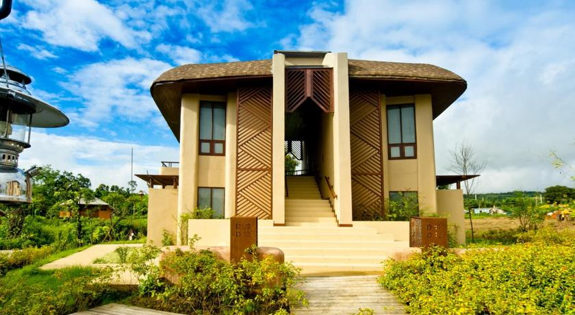 Best time to travel Pai Montis Resort
