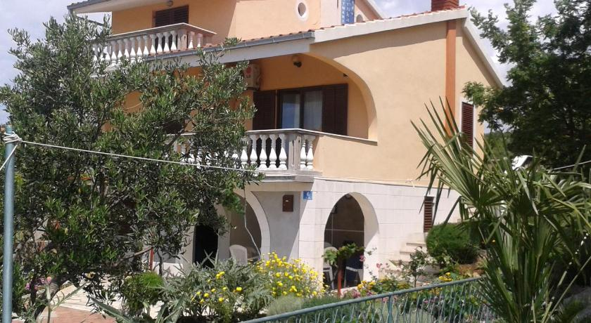 Best time to travel Solin Apartments Zdenka