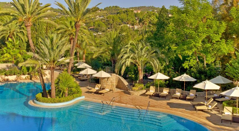 Best time to travel Majorca Sheraton Mallorca Arabella Golf Hotel
