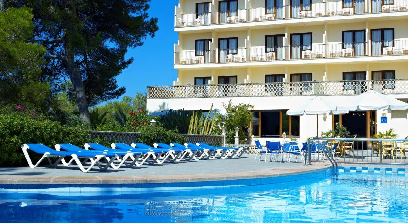 Best time to travel Majorca Hostal Condemar