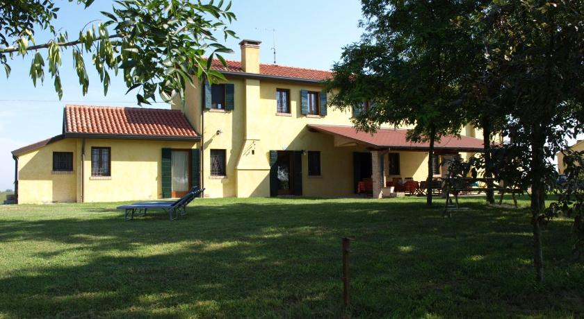 Best time to travel Italy Agriturismo Zennare