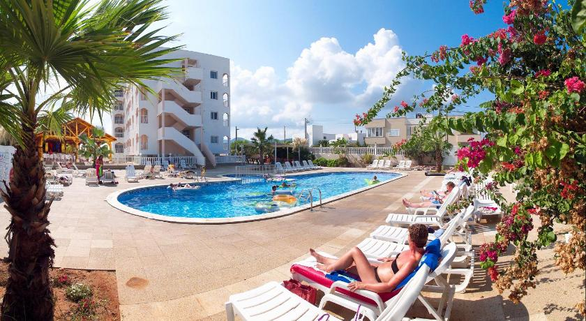 Best time to travel Ibiza Hotel Apartamentos San Marino