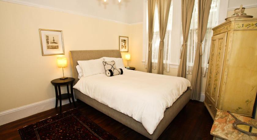 Best Price on Alamo Square Classic   2 Bedroom Apartment in San Francisco   CA    Reviews. Best Price on Alamo Square Classic   2 Bedroom Apartment in San