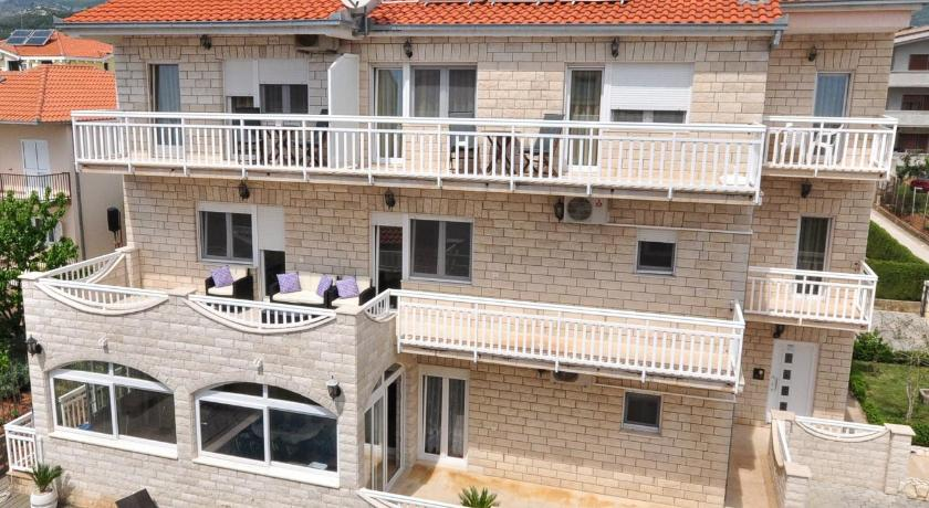 Best time to travel Solin Apartment House Jerko