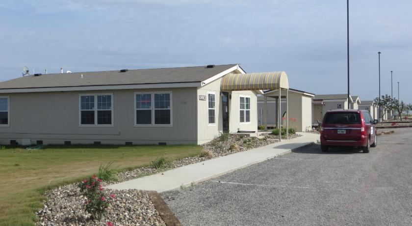 Best Price On Shale Lodging Three Rivers In Tx
