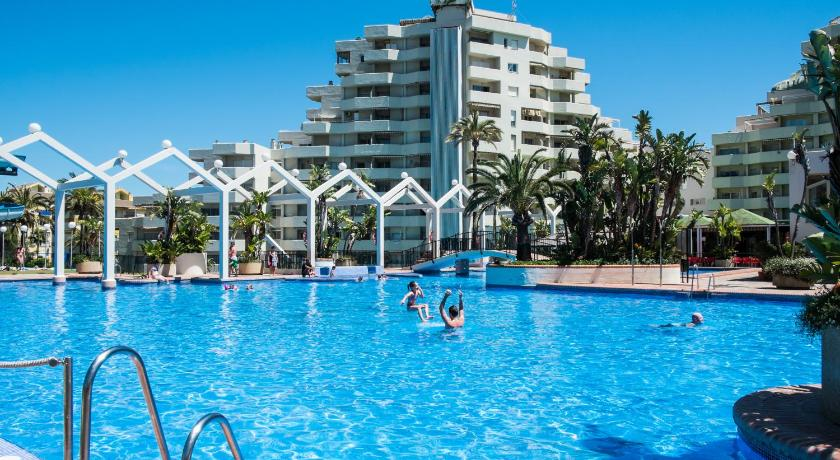 Best price on the kingfisher club benal beach in benalmadena reviews for Kingfisher swimming pool prices