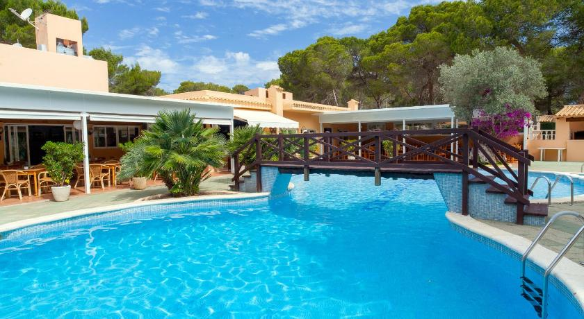 Best time to travel Formentera Apartamentos Ses Eufabietes