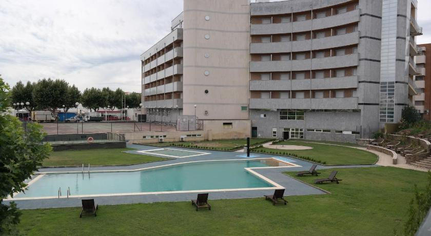 Best time to travel Portugal Grande Hotel Dom Dinis