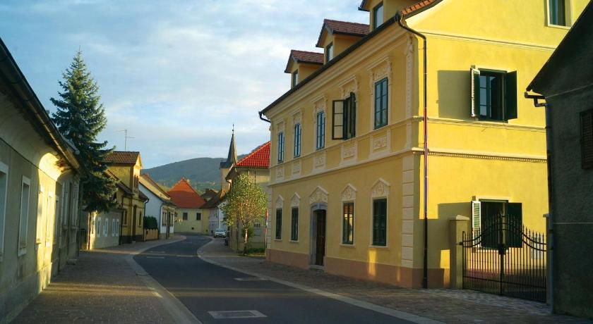 Best time to travel Slovenia B&B Castanea