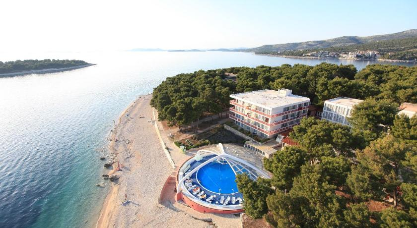 Best time to travel Solin Hotel Zora