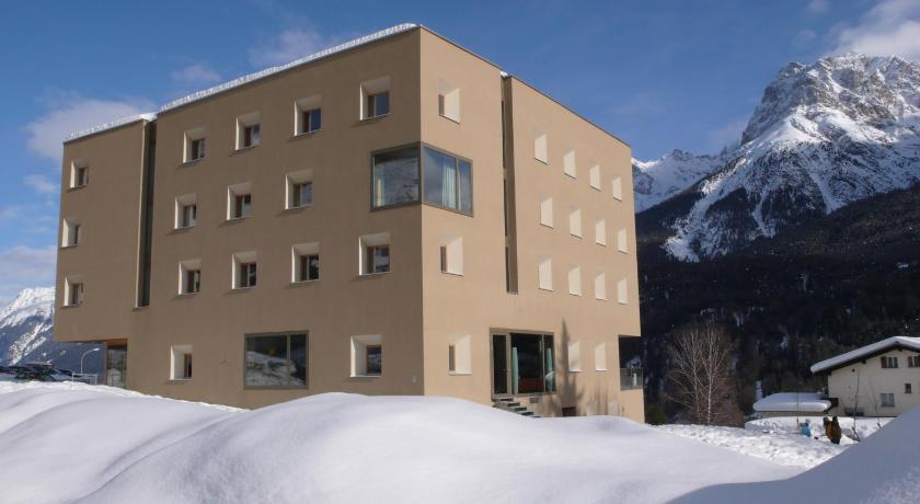 Best time to travel Switzerland Scuol Youth Hostel