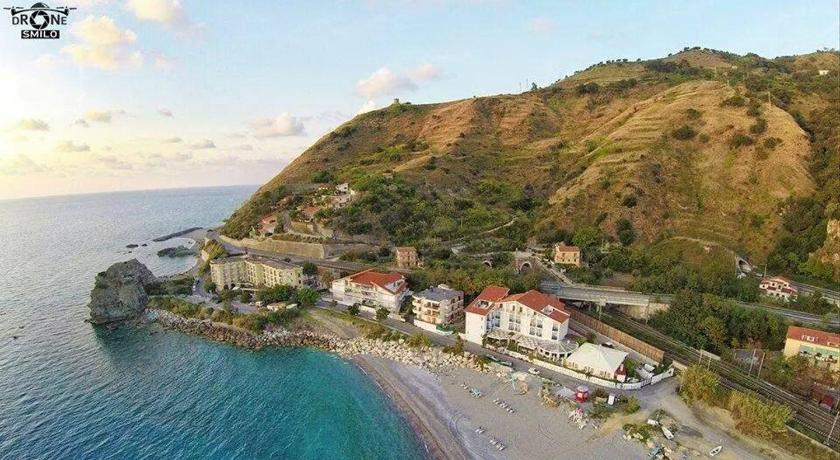 Best time to travel Italy Hotel Mareblu