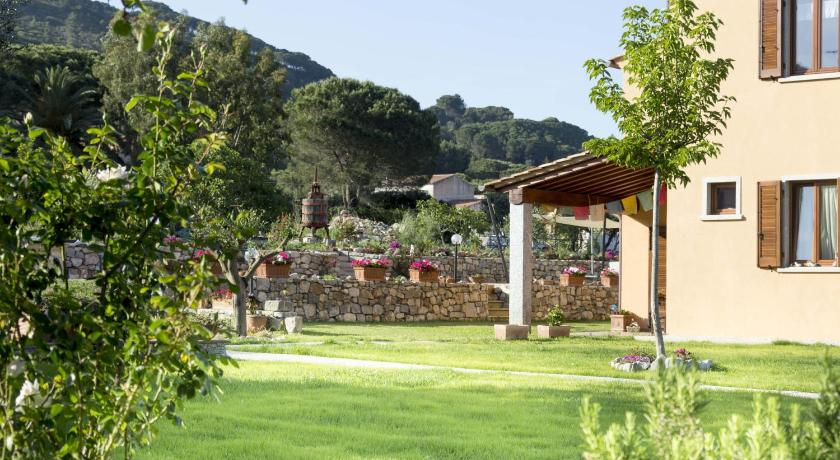 Best time to travel Italy Villa Aiali