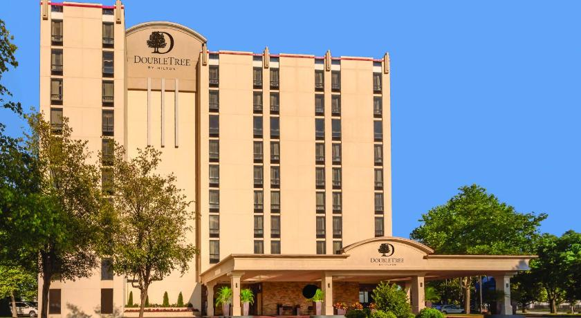 Best time to travel United States DoubleTree by Hilton Philadelphia Airport