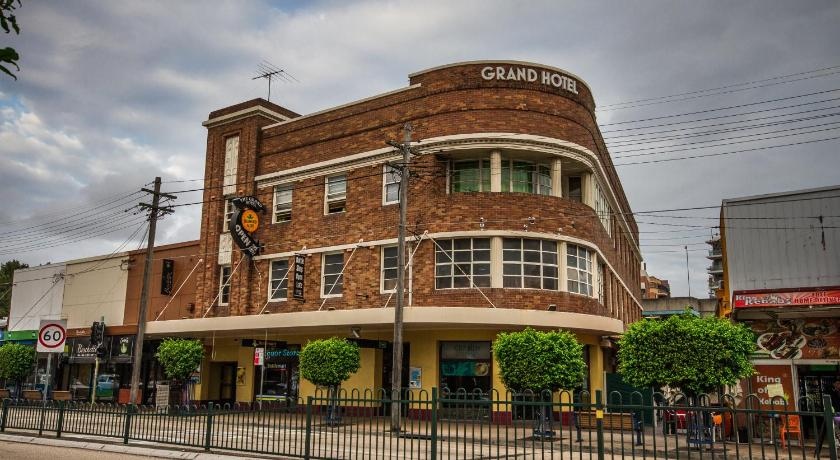 Best time to travel Australia Grand Hotel Rockdale