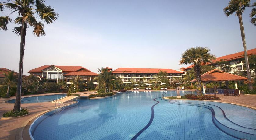 Best time to travel Siem Reap Angkor Palace Resort & Spa