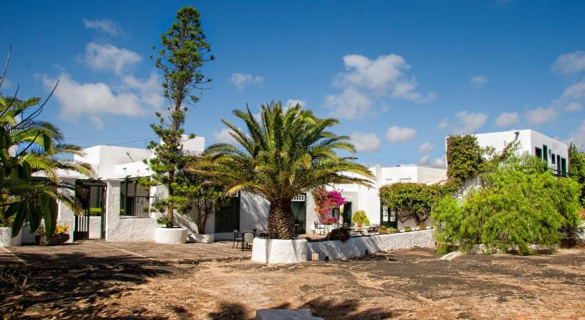 boutique hotels san bartolome  6