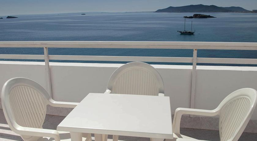 Best time to travel Ibiza Hotel Apartamentos Lux Mar