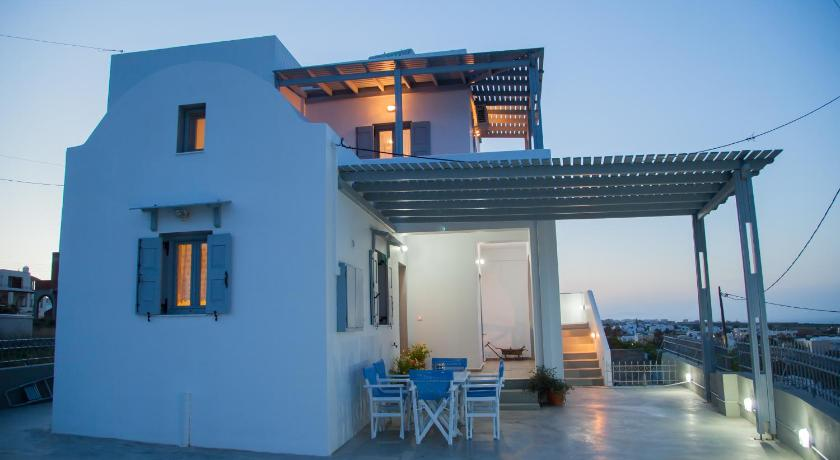 Best time to travel Santorini Villa Aelia Santorini