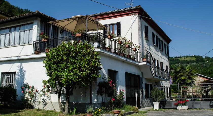 Best Price on Bed & Breakfast La Terrazza in Rocchetta Palafea + ...