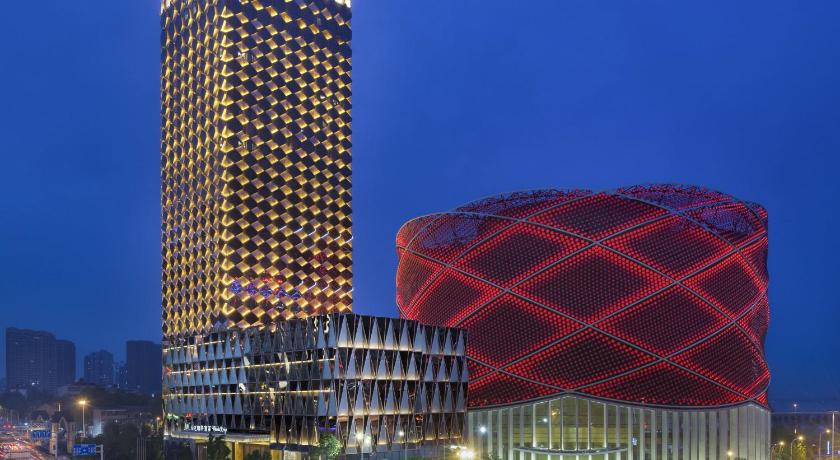 Best time to travel China Wanda Reign Wuhan