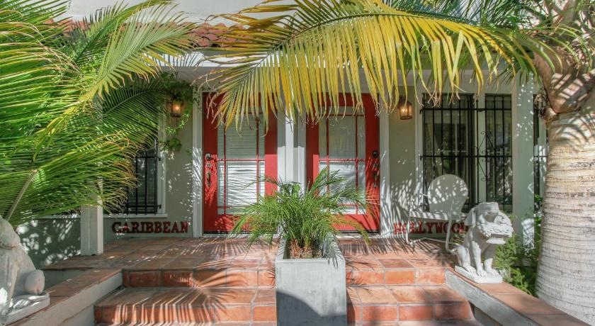 Best Price On Hollywood Cottages In Los Angeles (CA) + Reviews!